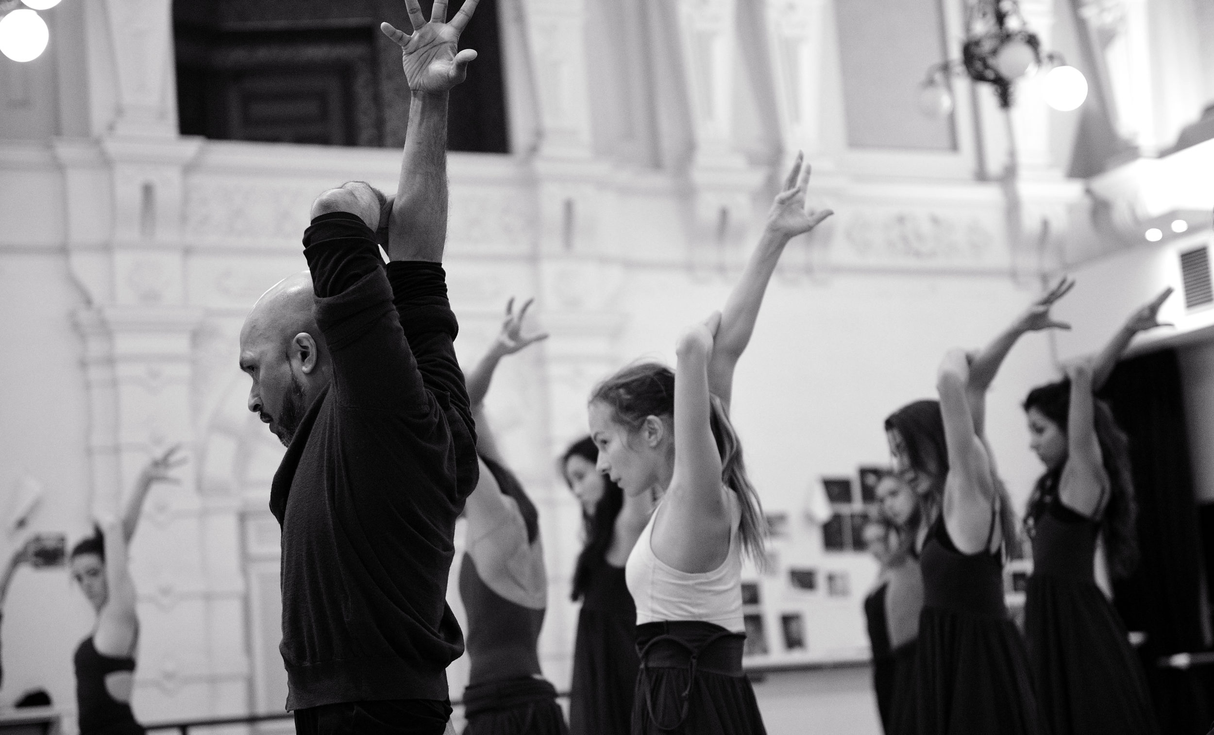 Katja Khaniukova rehearsing with Akram Khan and English National Ballet © Laurent Liotardo