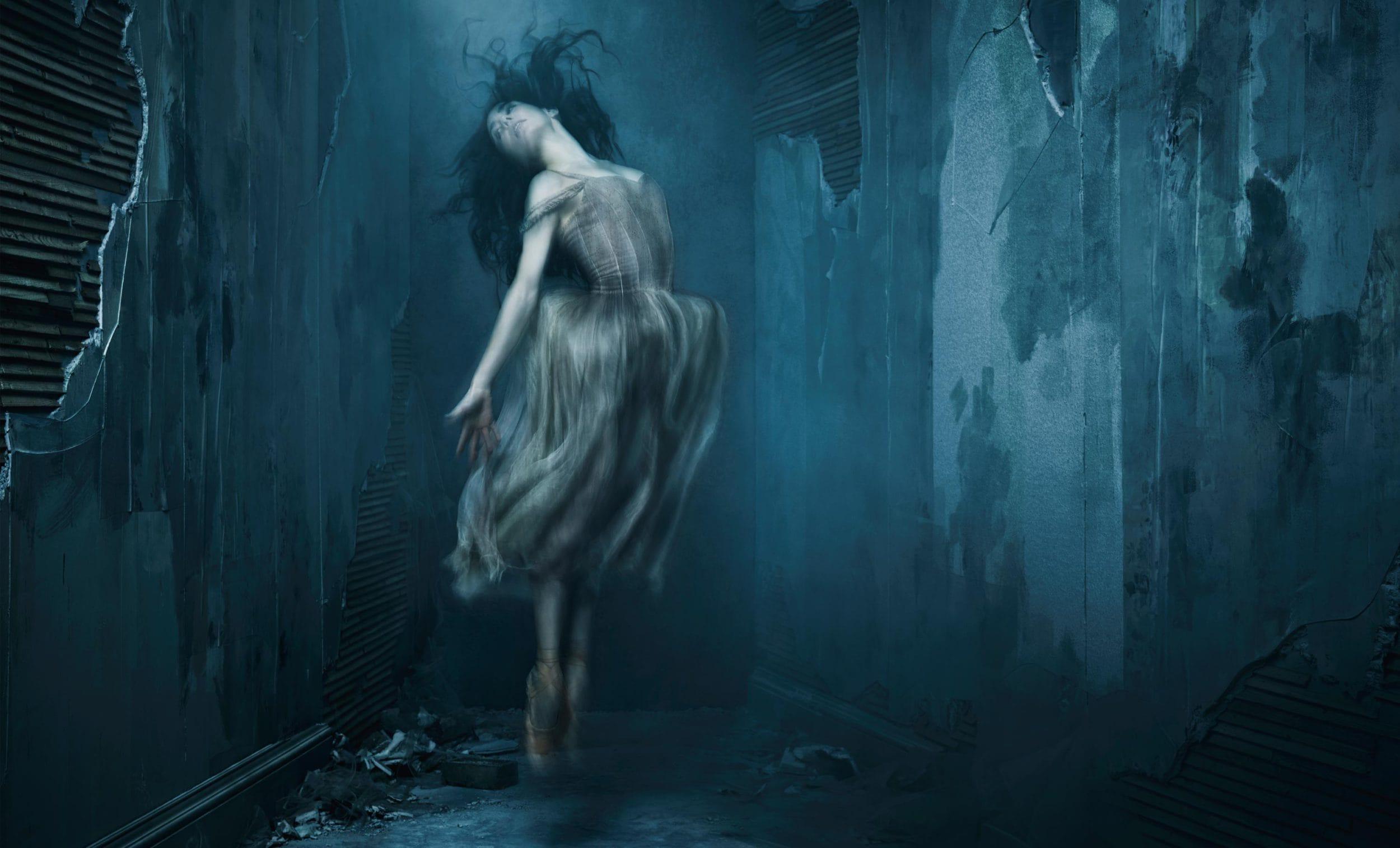 https://www.ballet.org.uk/wp-content/uploads/2017/01/English-National-Ballet-Giselle-by-Akram-Khan-Tamara-Rojo-c-Jason-Bell-Akram-Khan%E2%80%99s-Giselle-%C2%A9-Jason-Bell-Art-Direction-and-Design-by-Charlotte-Wilkinson-Studio-2500x1514.jpg