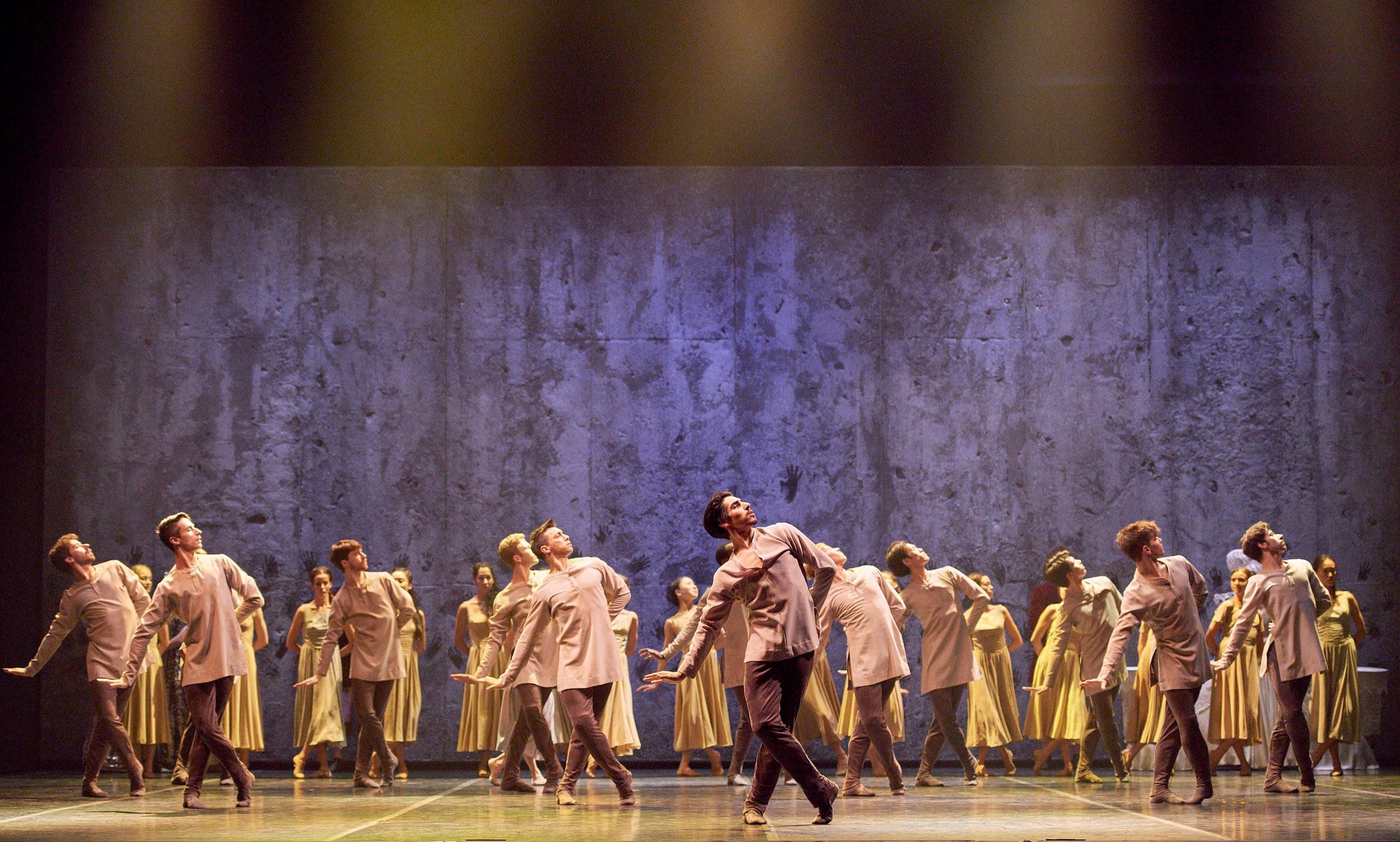 English-National-Ballet-in-Akram-Khan's-Giselle-(c)-Laurent-Liotardo