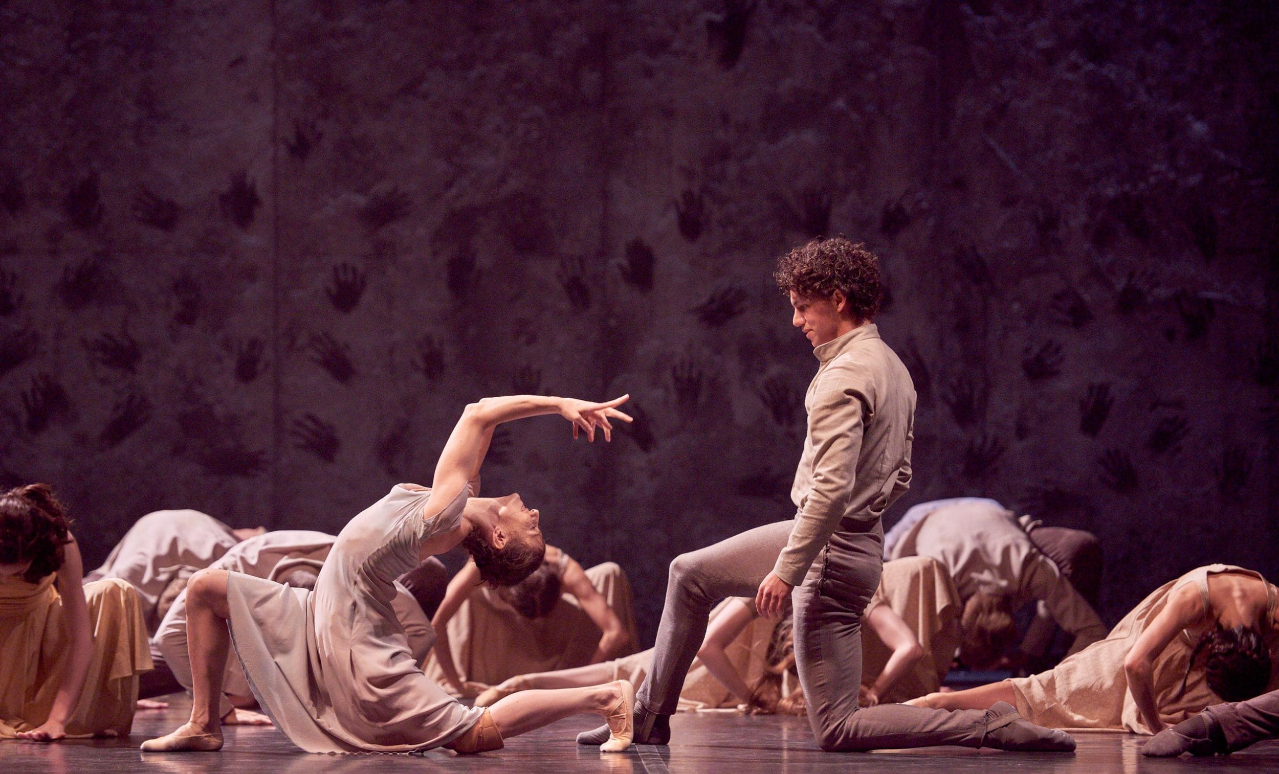Alina-Cojocaru-and-Isaac-Hernandez-in-Akram-Khan's-Giselle-(c)-Laurent-Liotardo