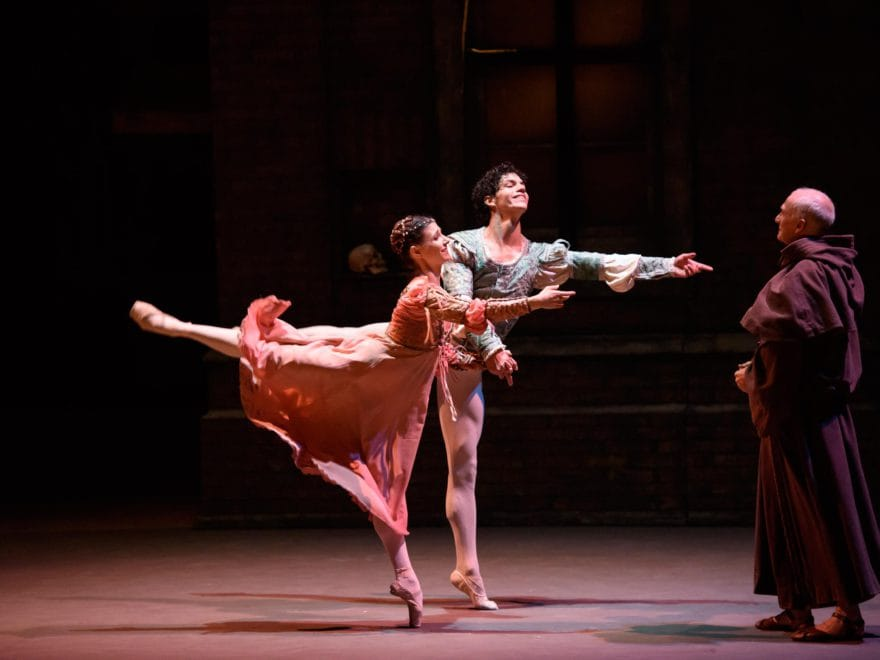 Alina-Cojocaru-and-Isaac-Hernandez-in-Romeo-&-Juliet-©Bill-Cooper