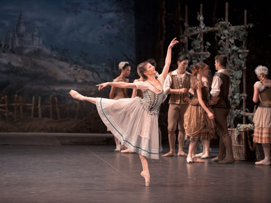 Alina Cojocaru in Mary Skeaping's Giselle © Laurent Liotardo