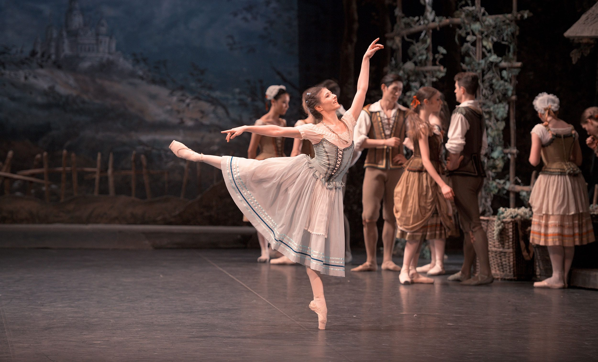 Alina-Cojocaru-in-Giselle-(c)-Laurent-Liotardo-for-web]