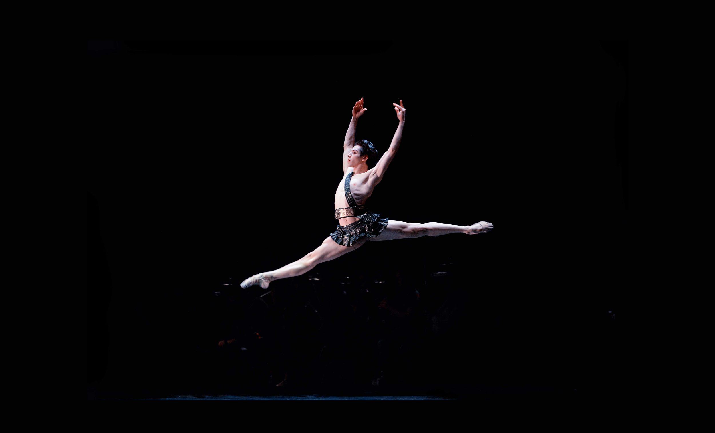 Cesar-Corrales-in-Diana-and-Acteon---Emerging-Dancer-2016-(C)-Laurent-Liotardo