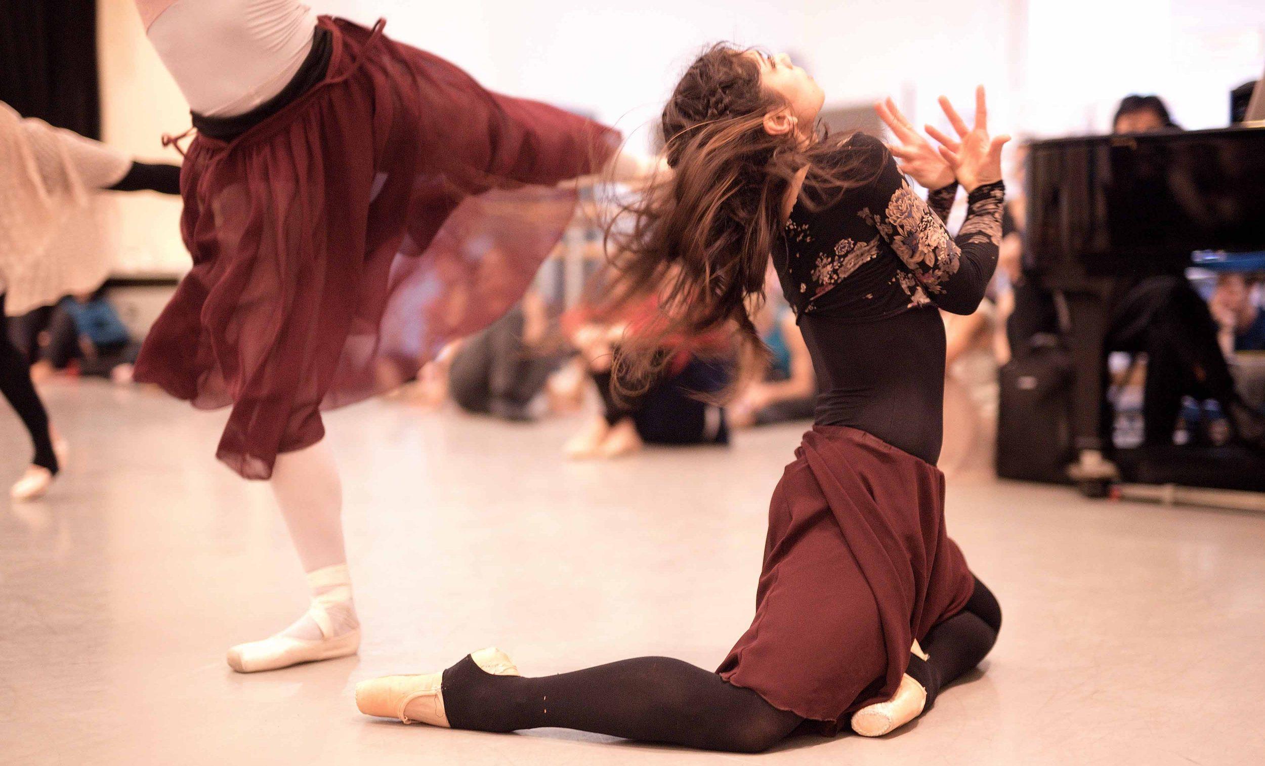 Crystal-Costa-rehearsing-Akram-Khan's-Giselle-©-Laurent-Liotardo-(5)