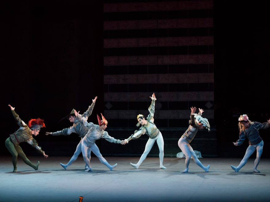 English-National-Ballet-dancers-in-Romeo-&-Juliet-©Bill-Cooper-(2)