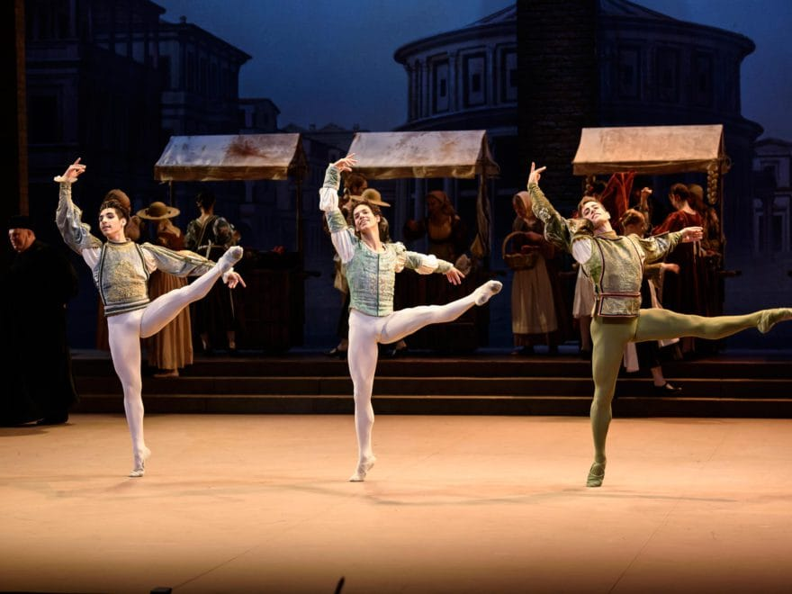 English-National-Ballet-dancers-in-Romeo-&-Juliet-©Bill-Cooper-(5)