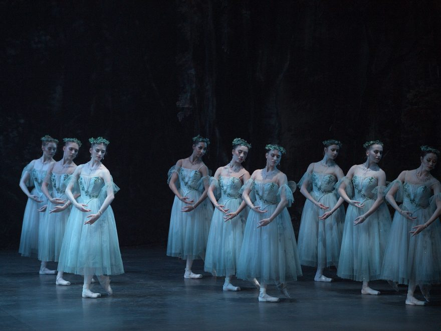 English-National-Ballet-in-Mary-Skeaping's-Giselle-(c)-Laurent-Liotardo-(4)
