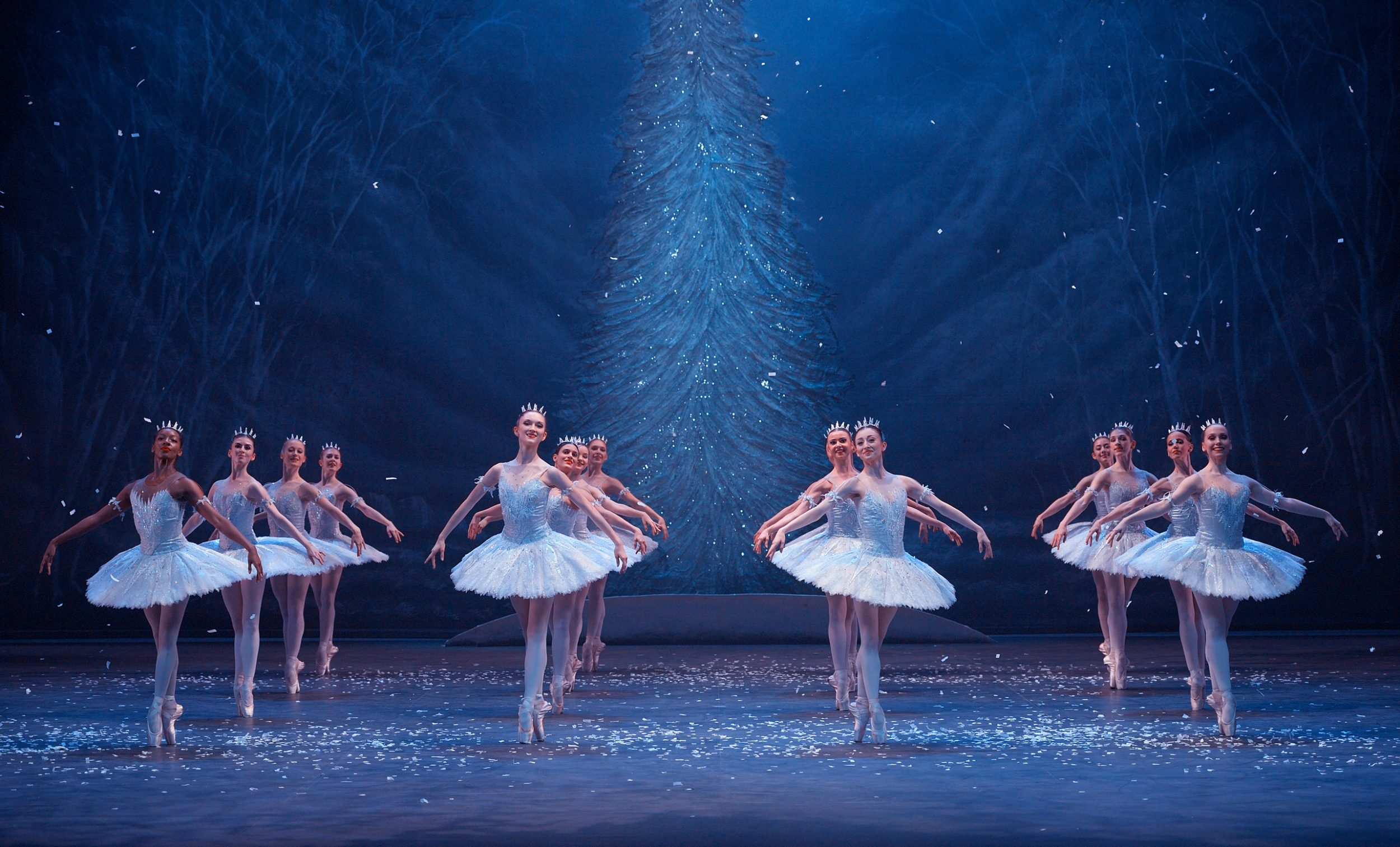 English-National-Ballet's-Nutcracker-(C)-Laurent-Liotardo-(12)