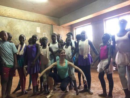 Isabelle Brouwers teaches ballet to Kenyan children in Kibera slum