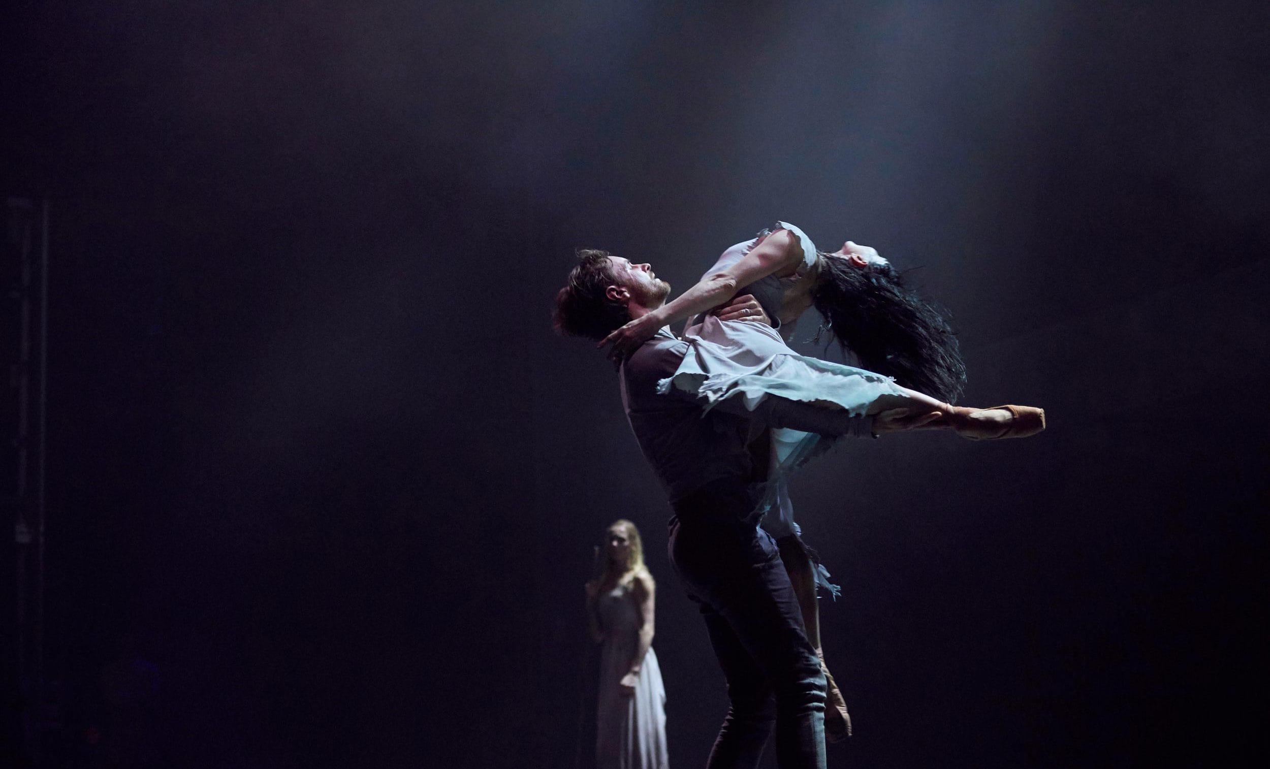 Tamara-Rojo-and-James-Streeter-in-Akram-Khan's-Giselle-(C)-Laurent-Liotardo