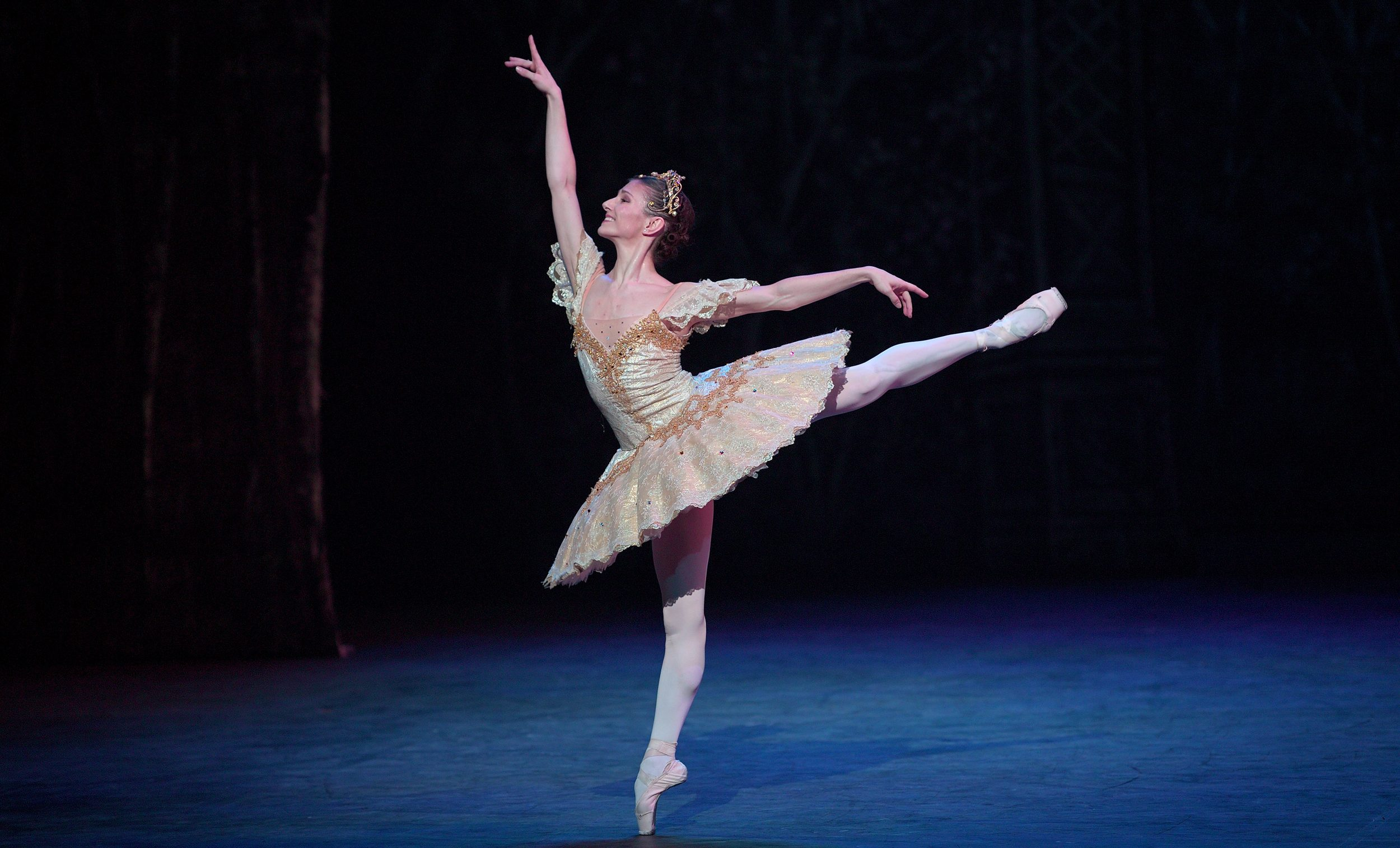Alina-Cojocaru-in-English-National-Ballet's-Nutcracker-(C)-Laurent-Liotardo-2500px-for-web