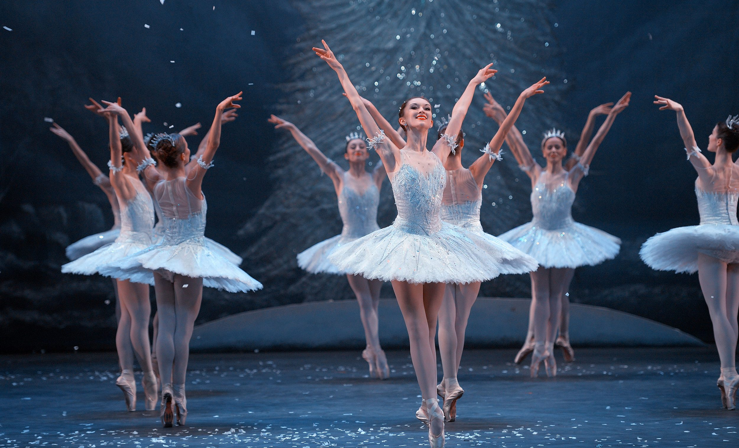 Jeanette-Kakareka-and-Artists-of-the-Company-in-Nutcracker.-©-Laurent-Liotardo