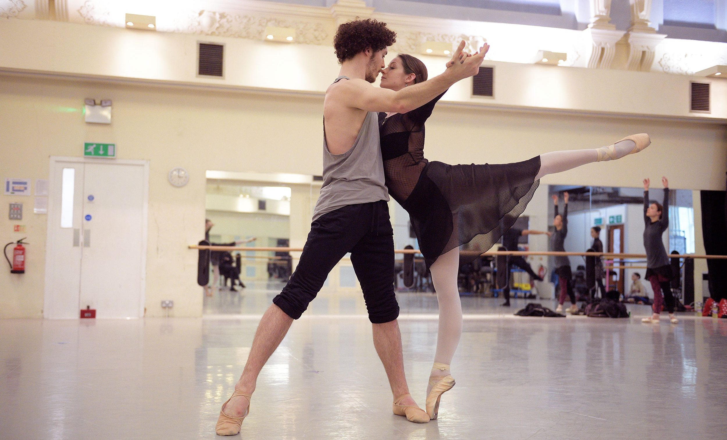 Laurretta-Summerscales-and-Emilio-Pavan-rehearsing-Adagio-Hammerklavier-(c)-Laurent-Liotardo-(2)