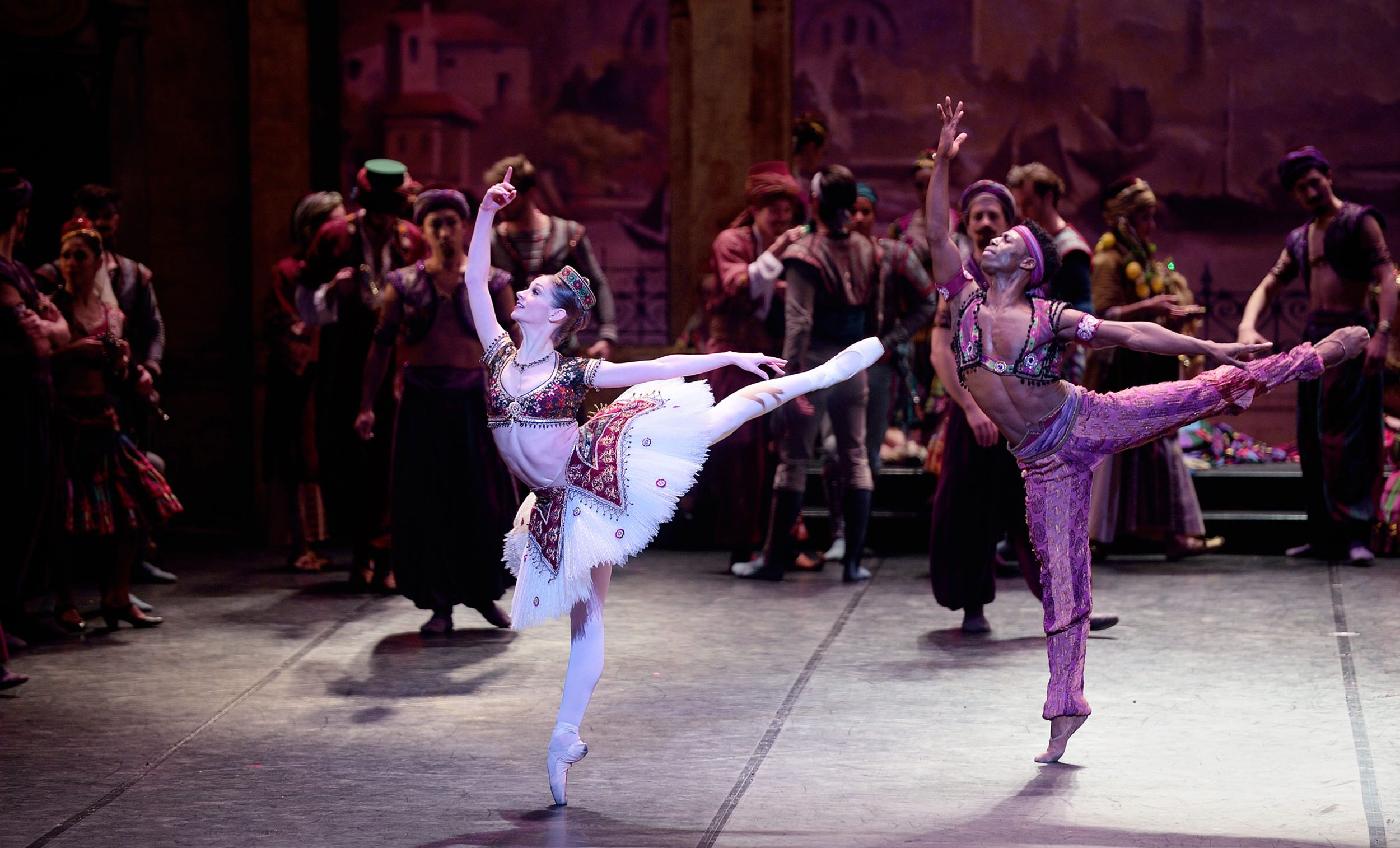 Laurretta Summerscales as Gulnare, and Brooklyn Mack as Lankendem in Le Corsaire © Laurent Liotardo