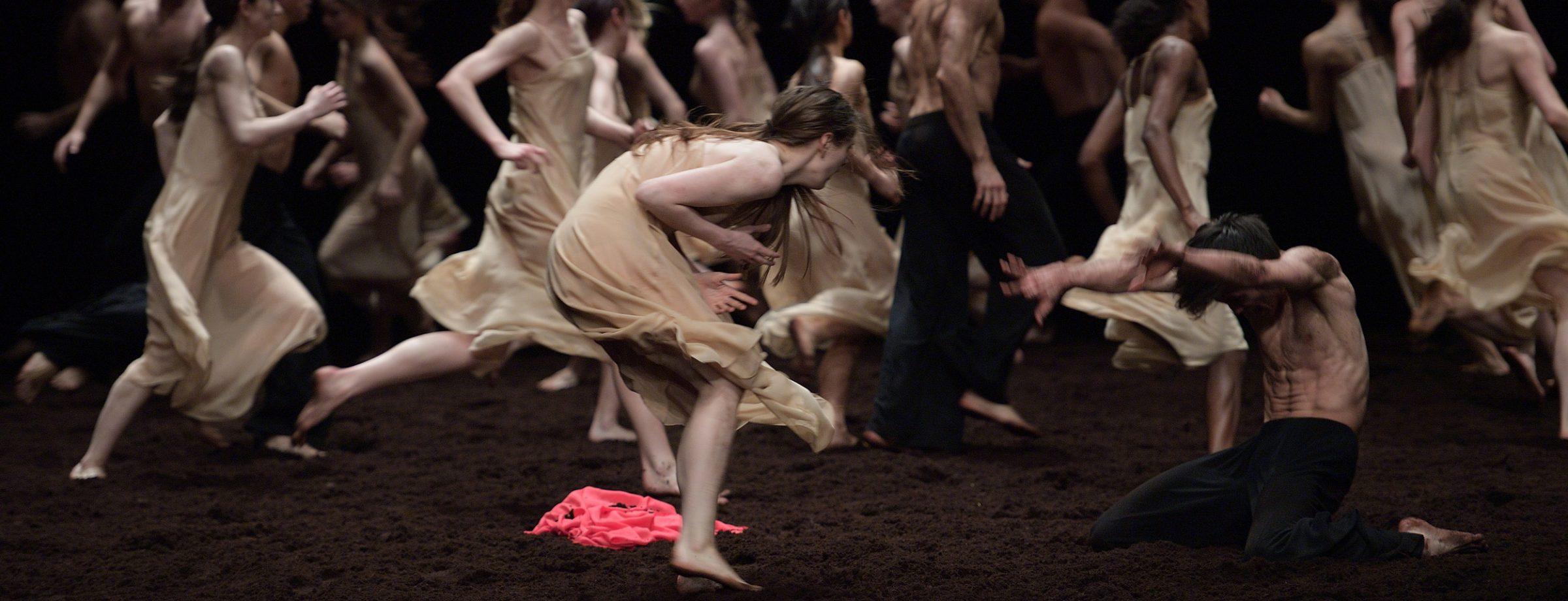 Pina-Bausch's-Le-Sacre-du-printemps-by-English-National-Ballet-(c)-Laurent-Liotardo-(2)-2500px