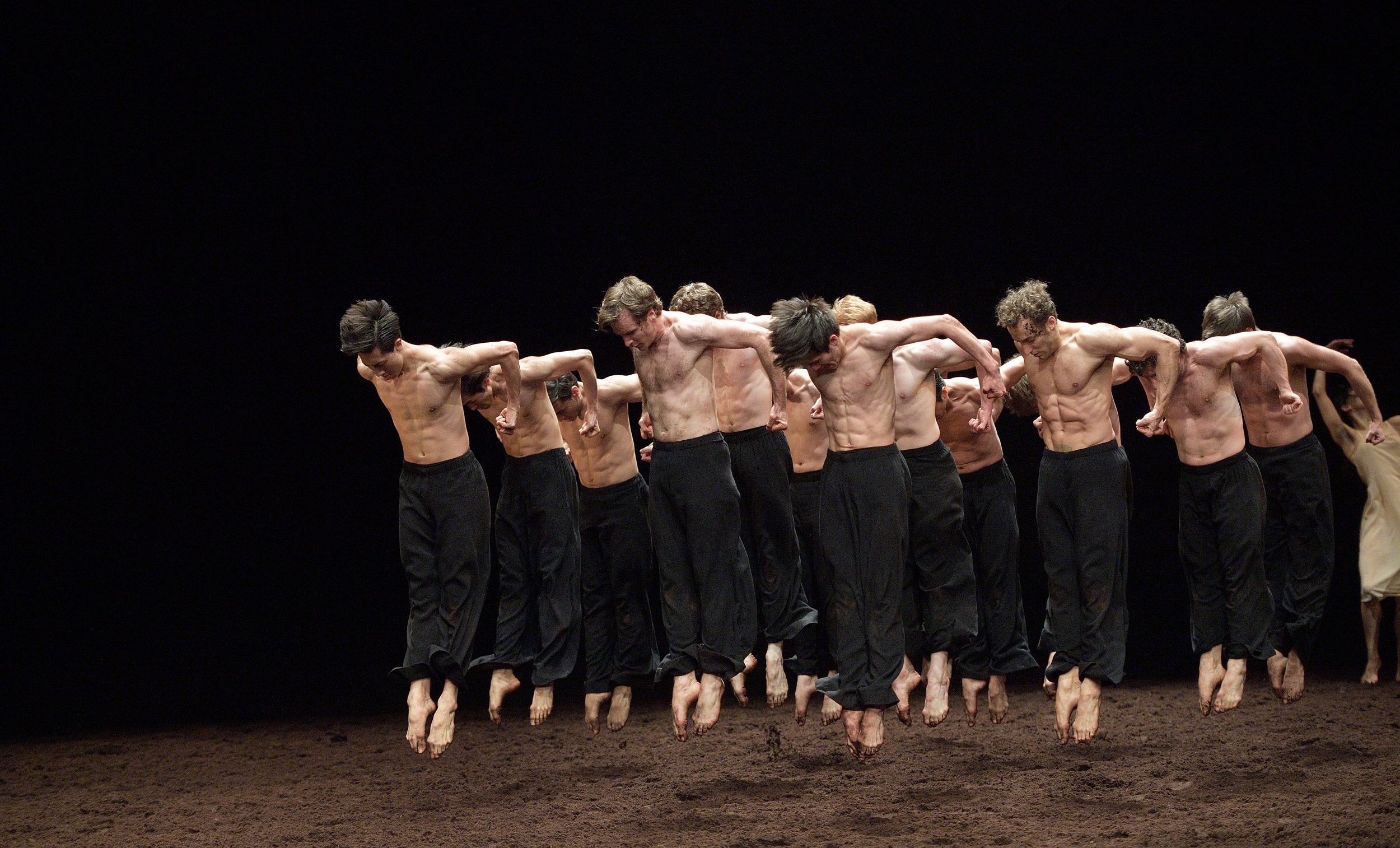 Pina-Bausch's-Le-Sacre-du-printemps-by-English-National-Ballet-(c)-Laurent-Liotardo-(3)-2500px