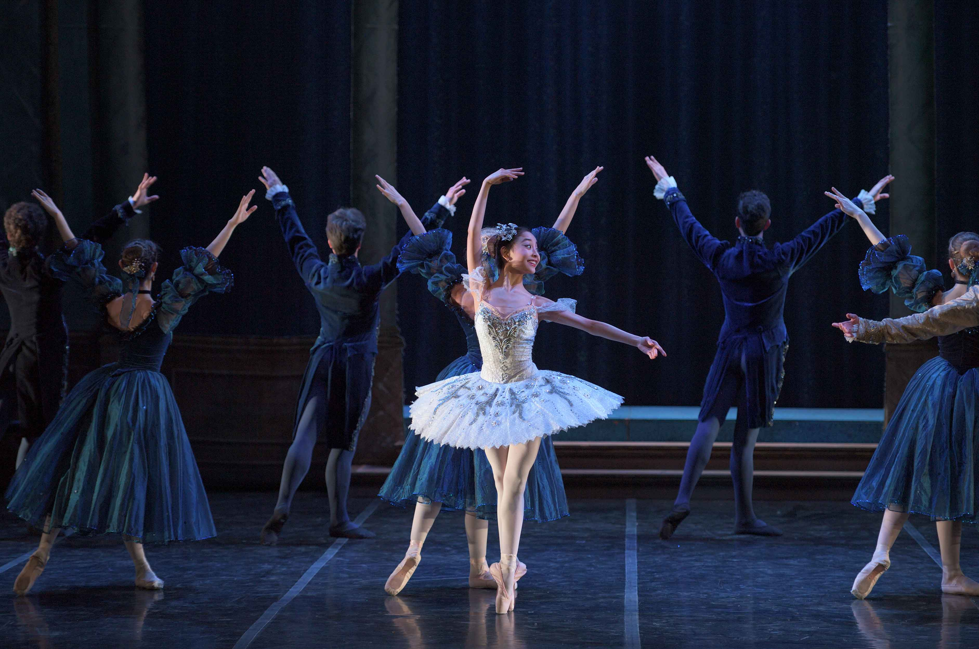 Remi-Nakano-as-Cinderella-and-Yuki-Nakaaki-as-The-Prince-in-My-First-Ballet-Cinderella-©-Laurent-Liotardo-(2)