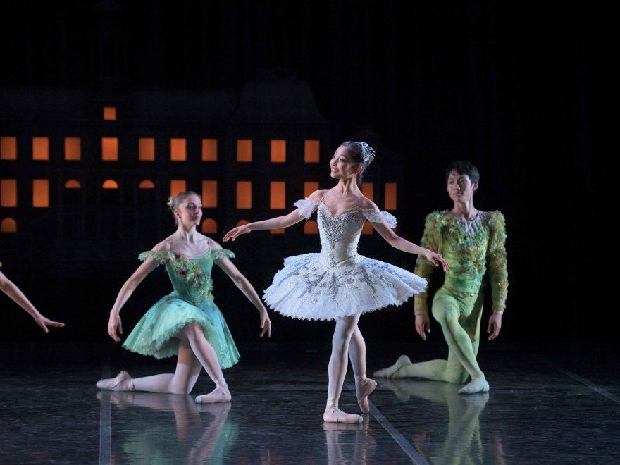 Remi-Nakano-as-Cinderella-in-My-First-Ballet-Cinderella-©-Laurent-Liotardo--(11)