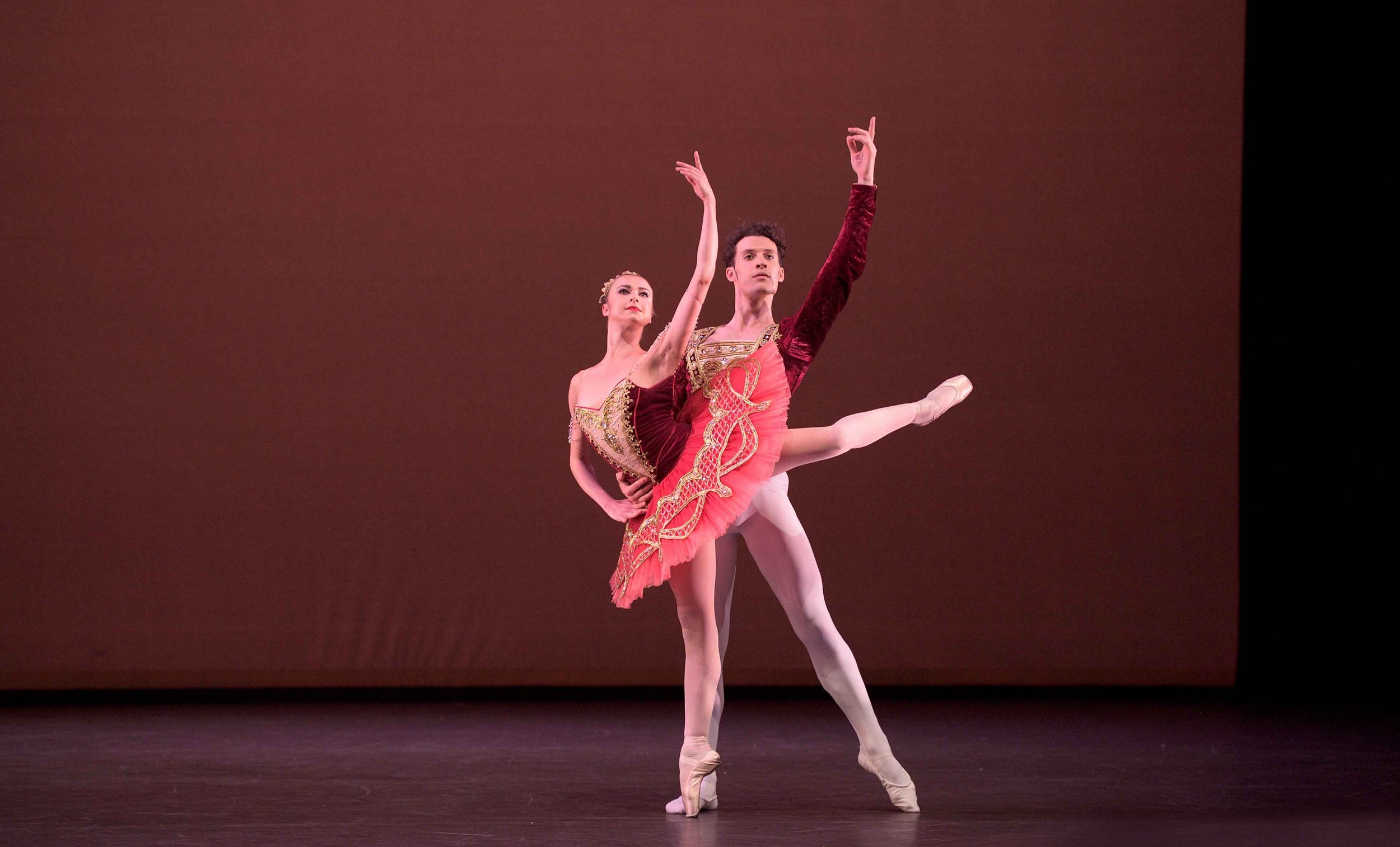 Isabelle-Brouwers-and-Emilio-Pavan-performing-Paquita-©-Laurent-Liotardo--(2)