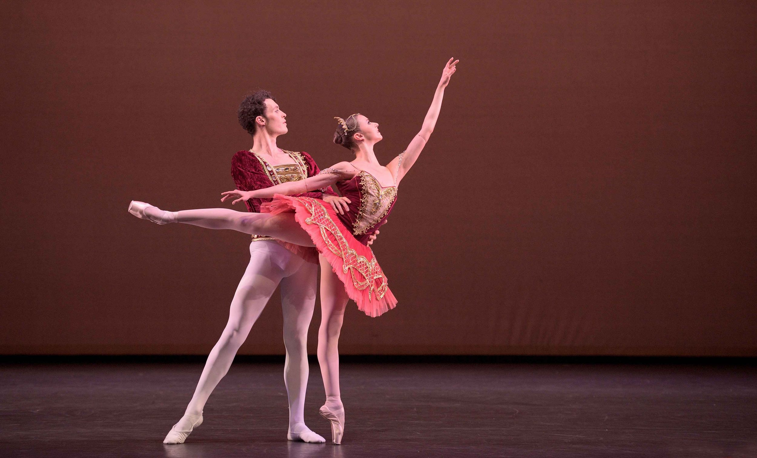 Isabelle-Brouwers-and-Emilio-Pavan-performing-Paquita-©-Laurent-Liotardo--(3)