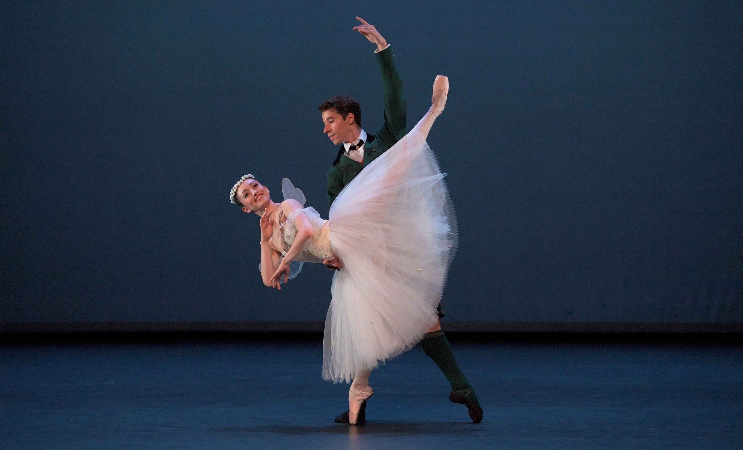 Madison-Keesler-and-Guilherme-Menezes-performing-La-Sylphide-pas-de-deux-©-Laurent-Liotardo-(1)