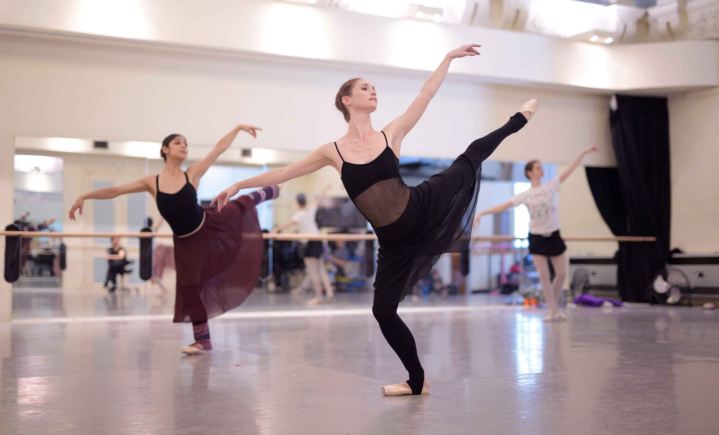 Alison-McWhinney-and-Crystal-Costa-rehearsing-La-Sylphide-©-Laurent-Liotardo