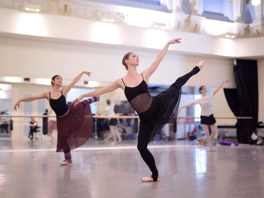Alison-McWhinney-and-Crystal-Costa-rehearsing-La-Sylphide-©-Laurent-Liotardo