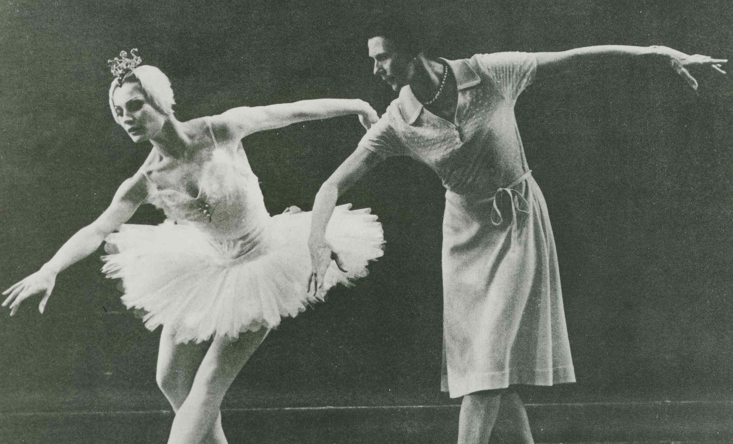Beryl Grey Rehearsing Swan Lake w Liliana Belfiore ©unknown