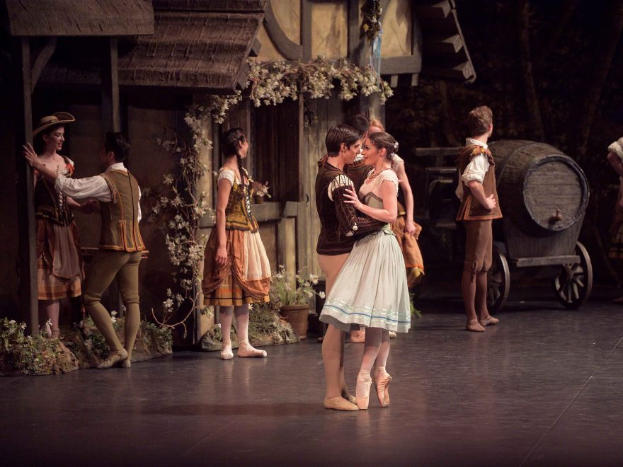 Laurretta-Summerscales-as-Giselle-and-Xander-Parish-as-Albrecht-in-Giselle-(c)-Laurent-Liotardo-(1)