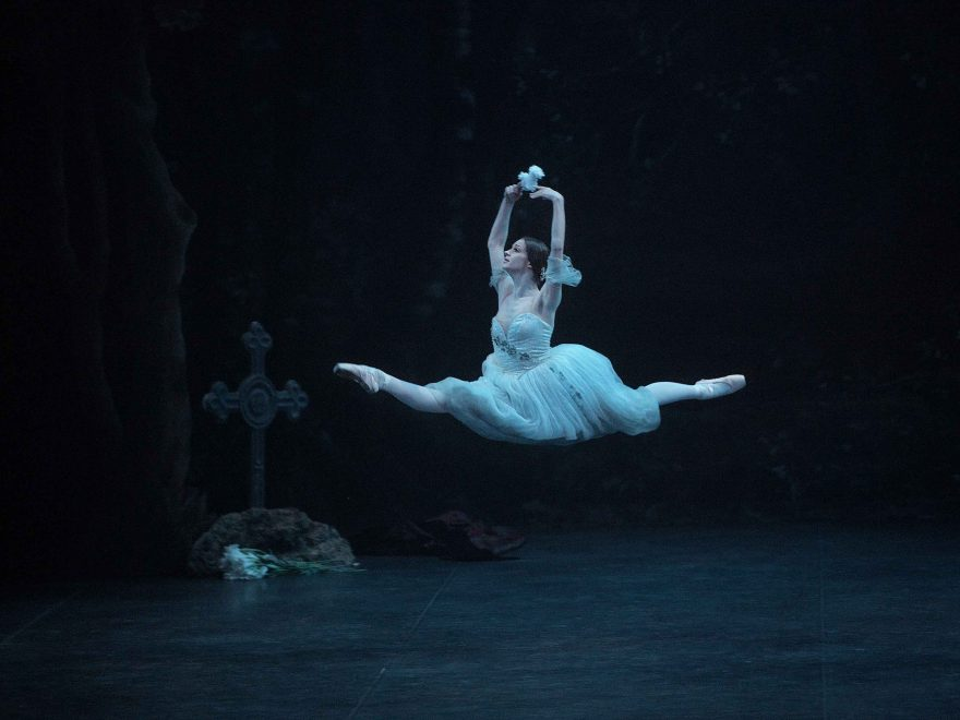 Laurretta-Summerscales-as-Giselle-(c)-Laurent-Liotardo