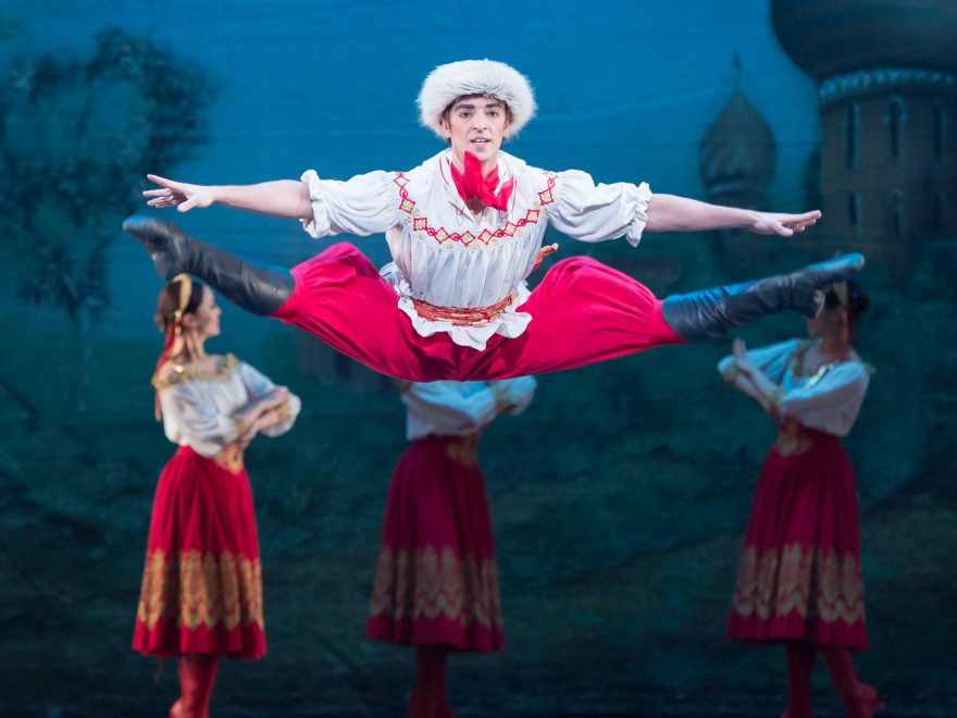 Fernando-Bufala-in-English-National-Ballet's-Nutcracker-(C)-Photography-by-ASH