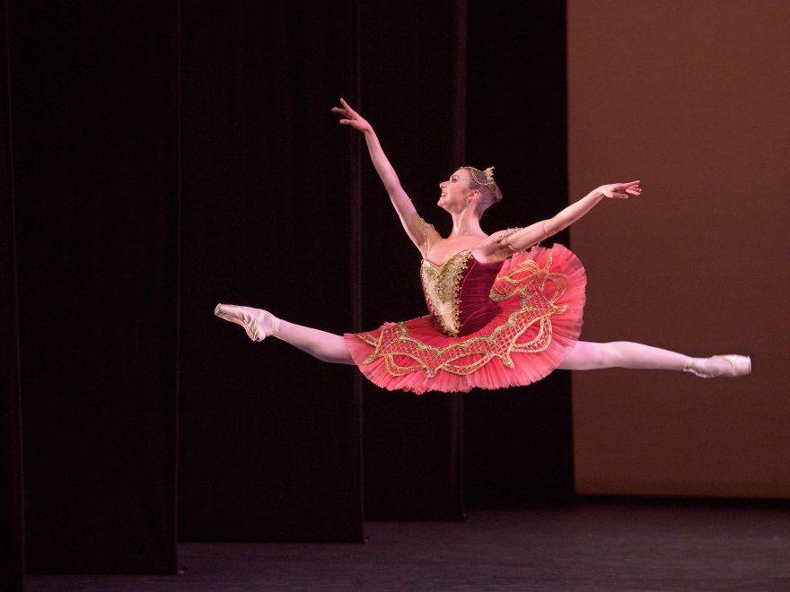Isabelle-Brouwers-performing-Paquita-©-Laurent-Liotardo--(5)