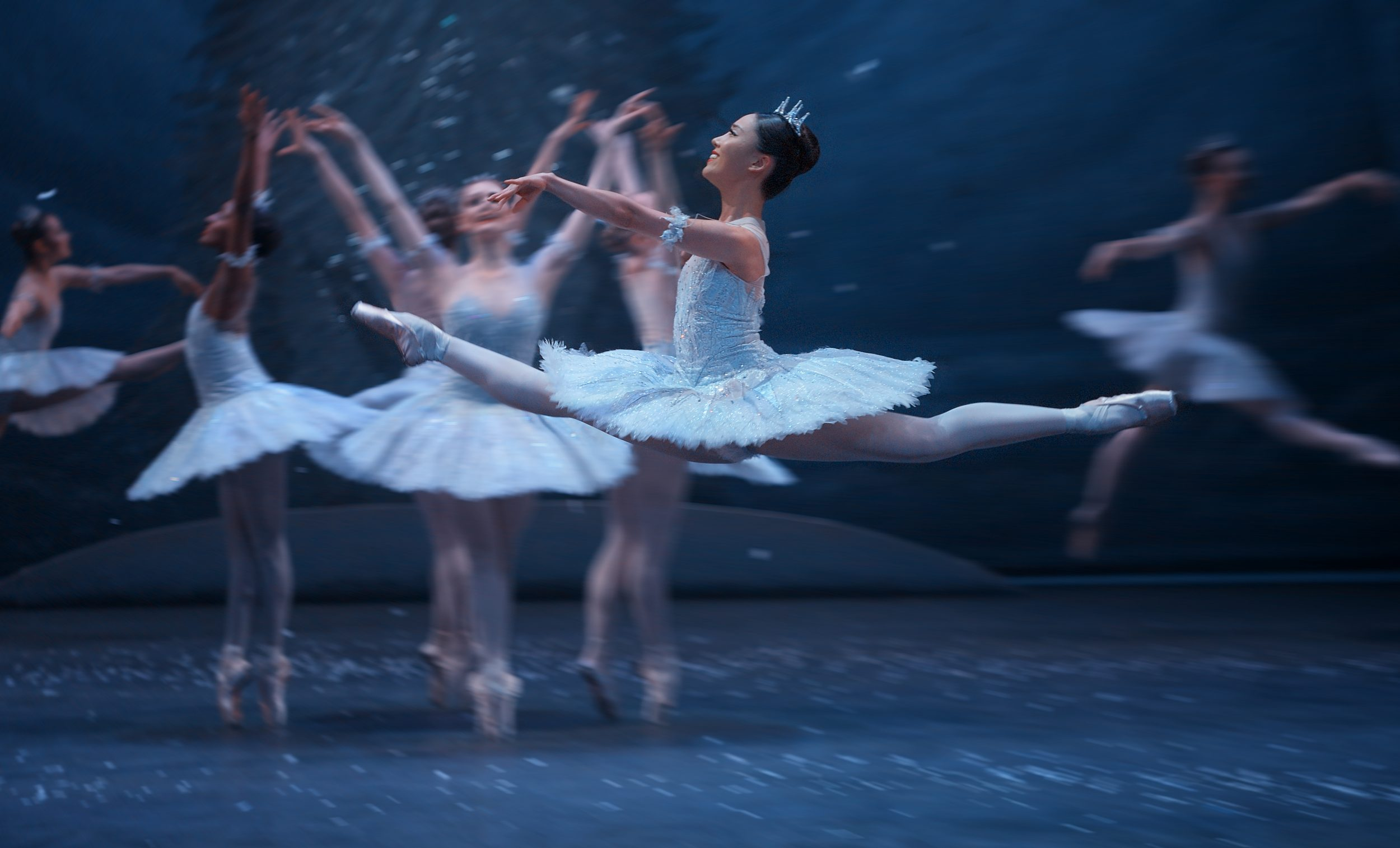 Jung ah Choi in English National Ballet's Nutcracker (C) Laurent Liotardo