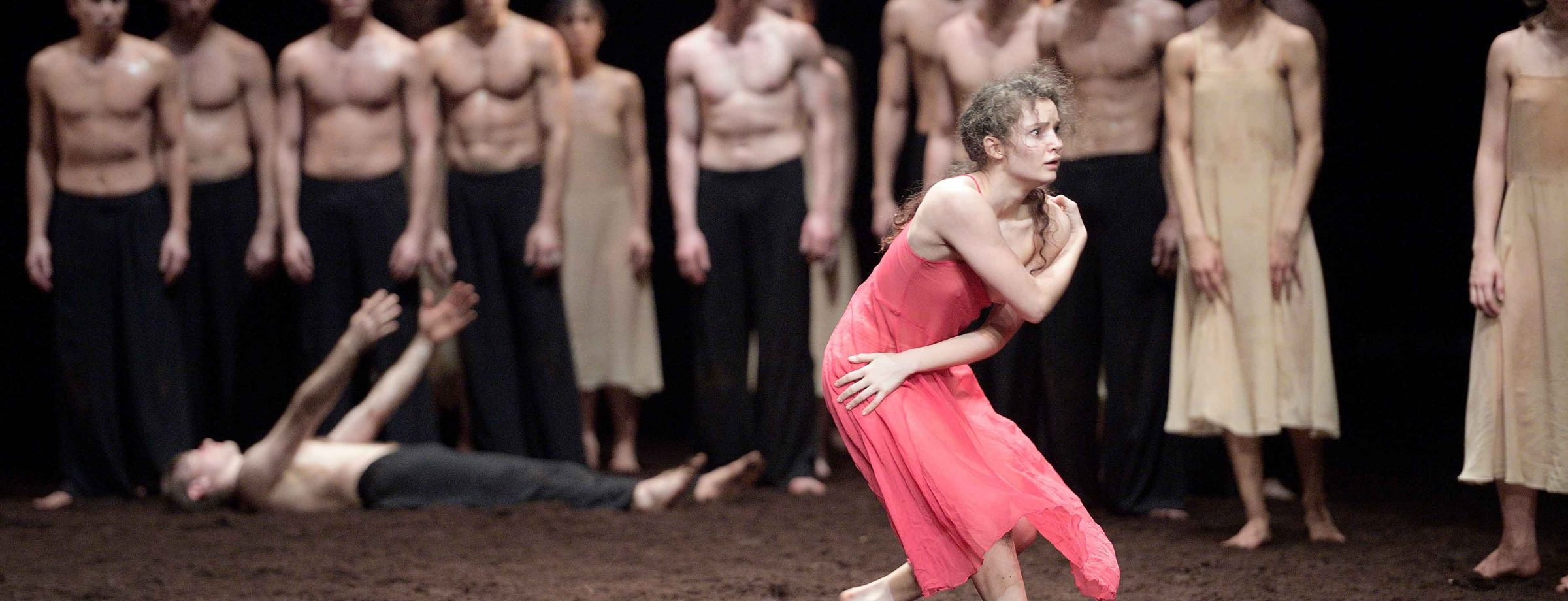 Pina-Bausch's-Le-Sacre-du-printemps-by-English-National-Ballet-(c)-Laurent-Liotardo-(4)