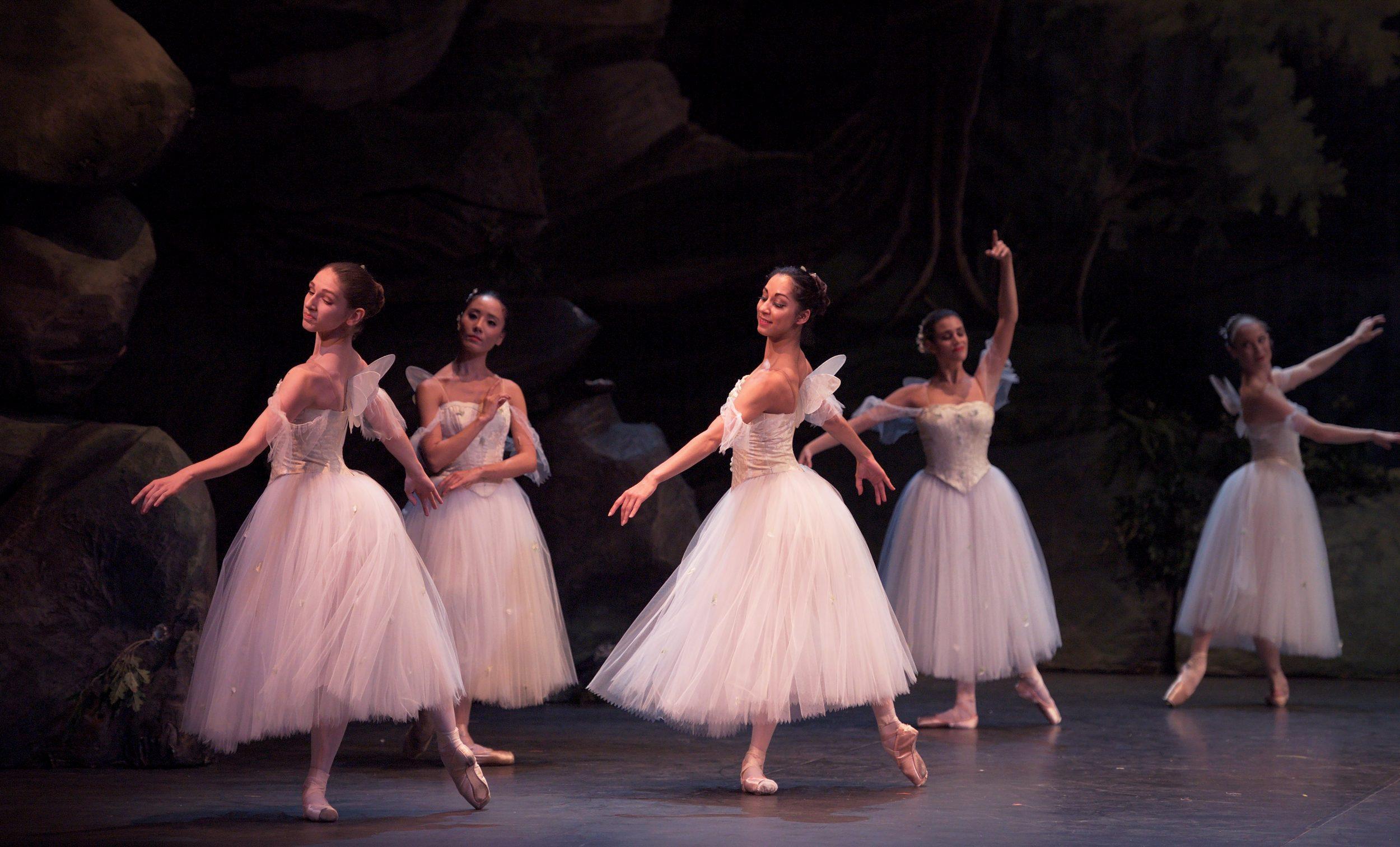 PRESS Artists of English National Ballet in La Sylphide © Laurent Liotardo (2)