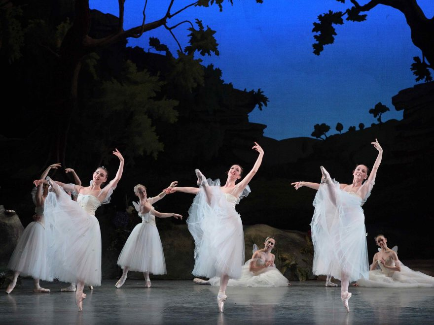 English-National-Ballet-in-La-Sylphide-©-Laurent-Liotardo-(1)