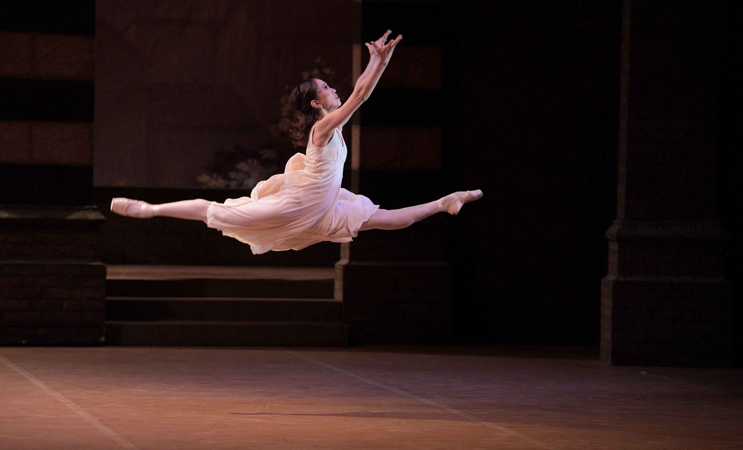 Erina-Takahashi-as-Juiet-in-Romeo-&-Juliet-©-Laurent-Liotardo