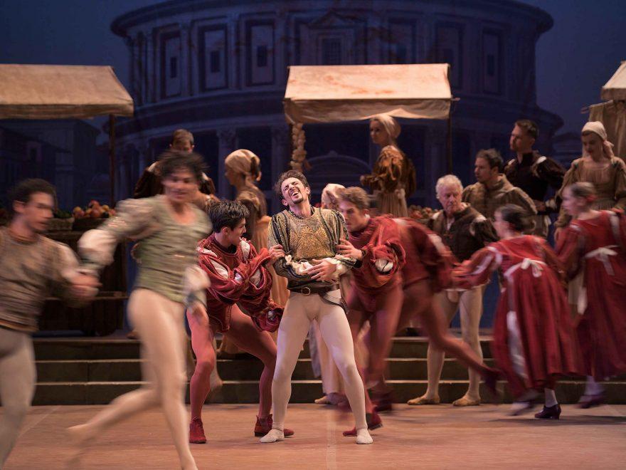 Fernando-Bufala-as-Mercutio-in-Romeo-&-Juliet-©-Laurent-Liotardo