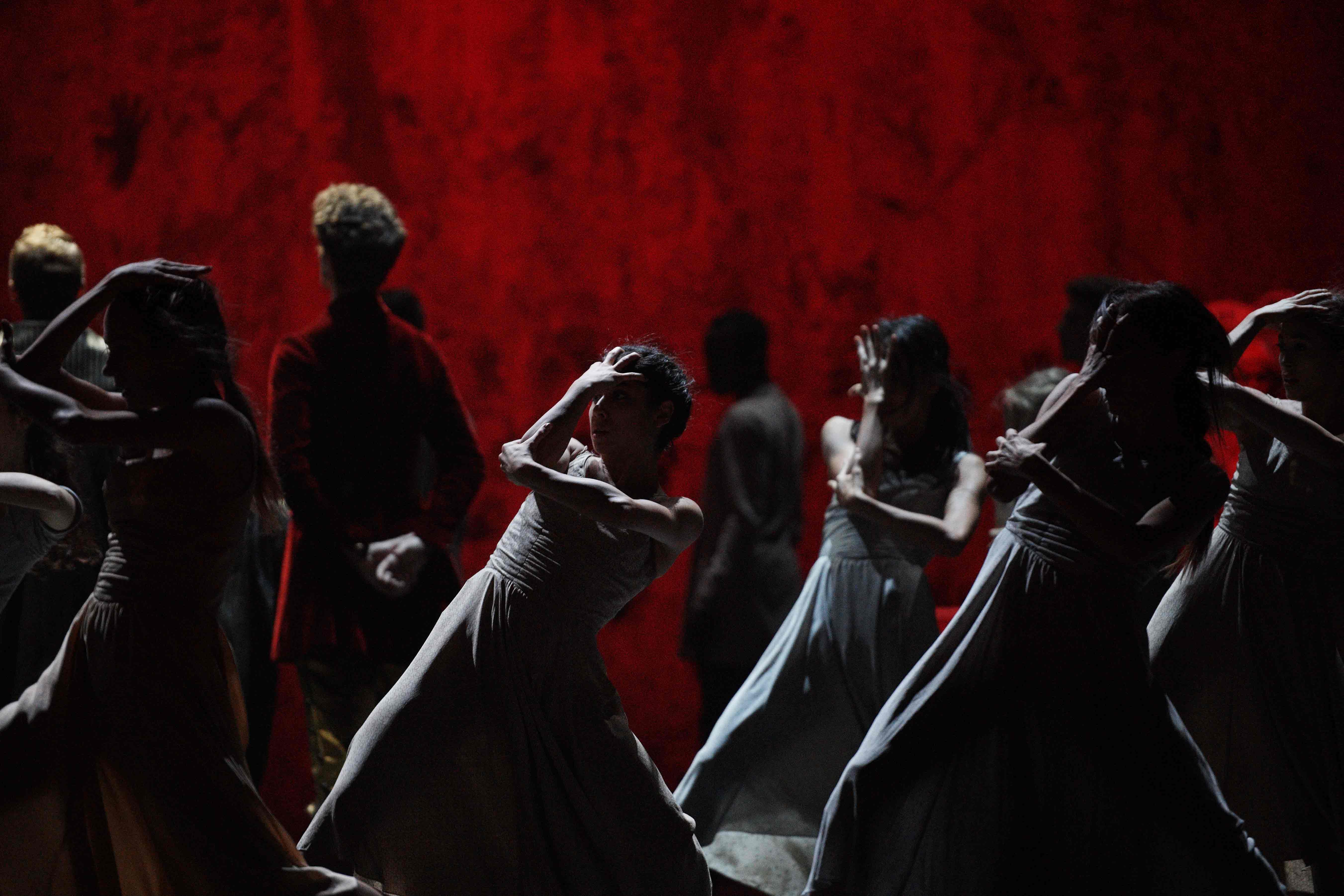 English-National-Ballet-in-Akram-Khan's-Giselle-(c)-Laurent-Liotardo-(2)