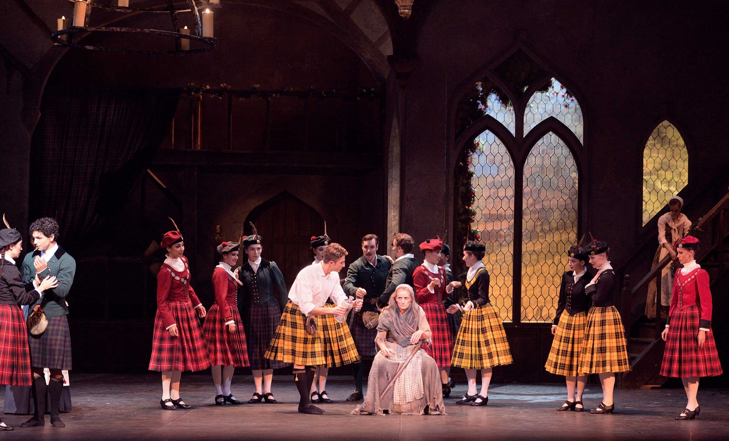 English-National-Ballet-in-La-Sylphide-©-Laurent-Liotardo-(6)