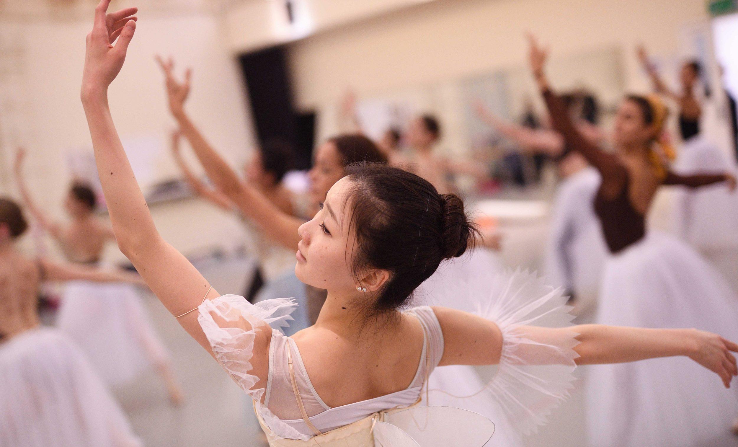 La Sylphide: Rehearsal Teaser with Rina Kanehara | English National Ballet