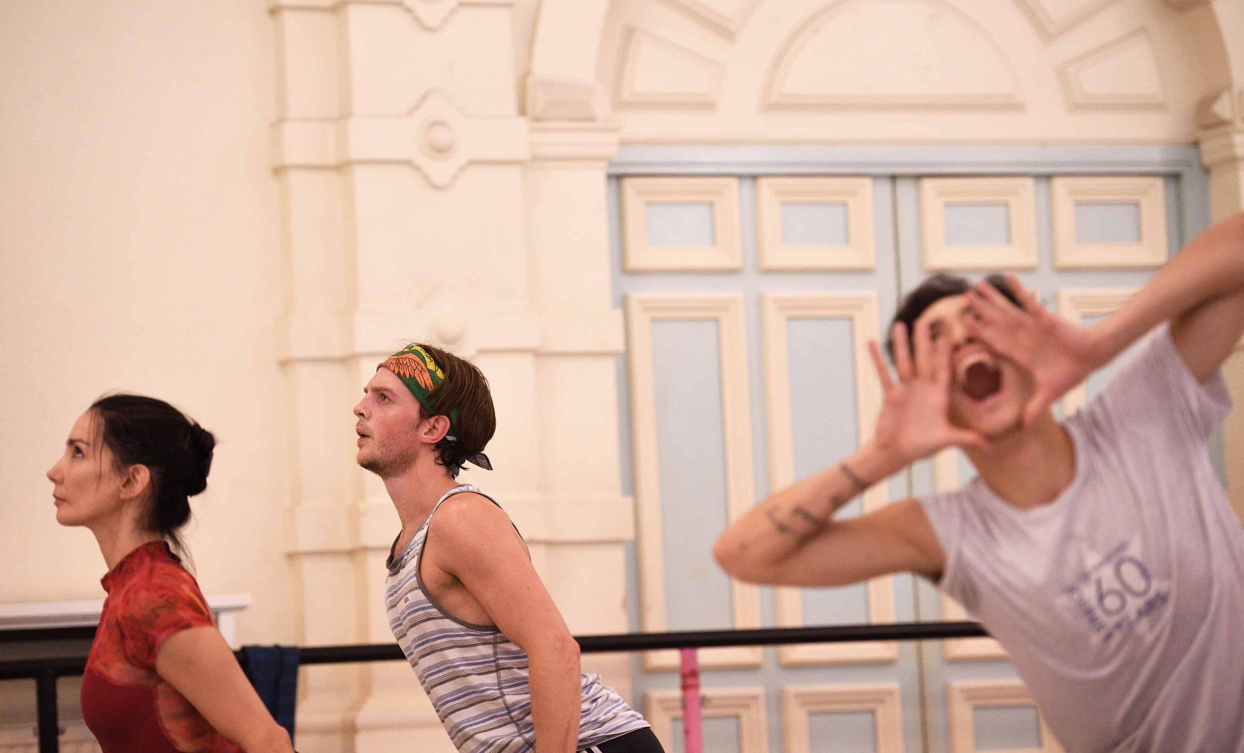 Tamara-Rojo,-Joseph-Caley,-and-Jeffrey-Cirio-rehearsing-Song-of-the-Earth-©-Laurent-Liotardo
