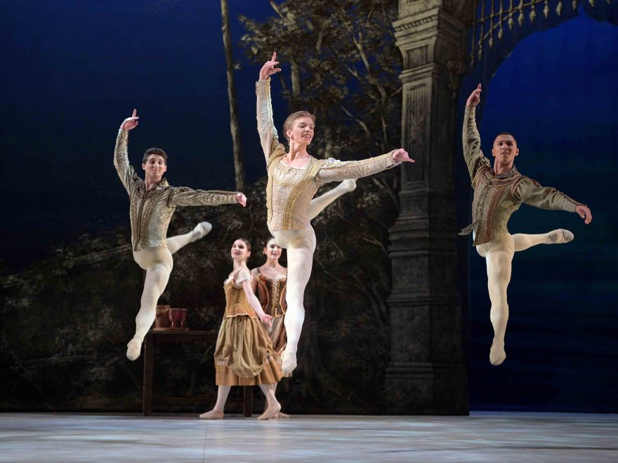 English-National-Ballet-School-students-in-My-First-Ballet-Swan-Lake-©-Laurent-Liotardo-(3)