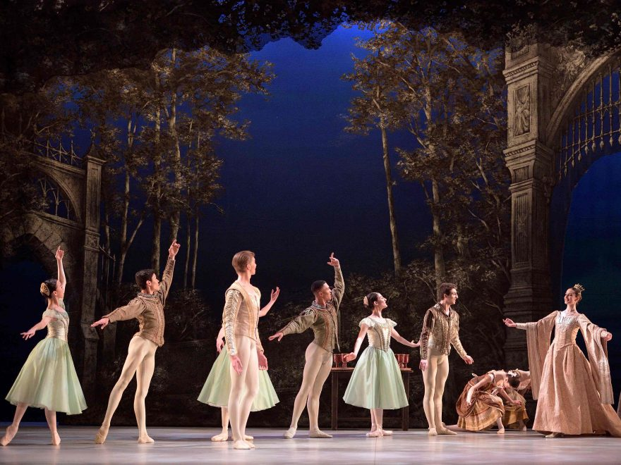 English-National-Ballet-School-students-in-My-First-Ballet-Swan-Lake-©-Laurent-Liotardo