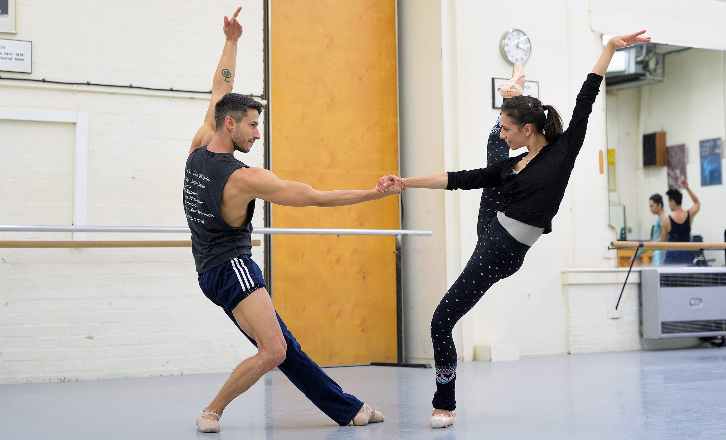 Francisco Bosch and Begona Cao rehearsing William Forsythe's Approximate Sonata 2016 © Laurent Liotardo