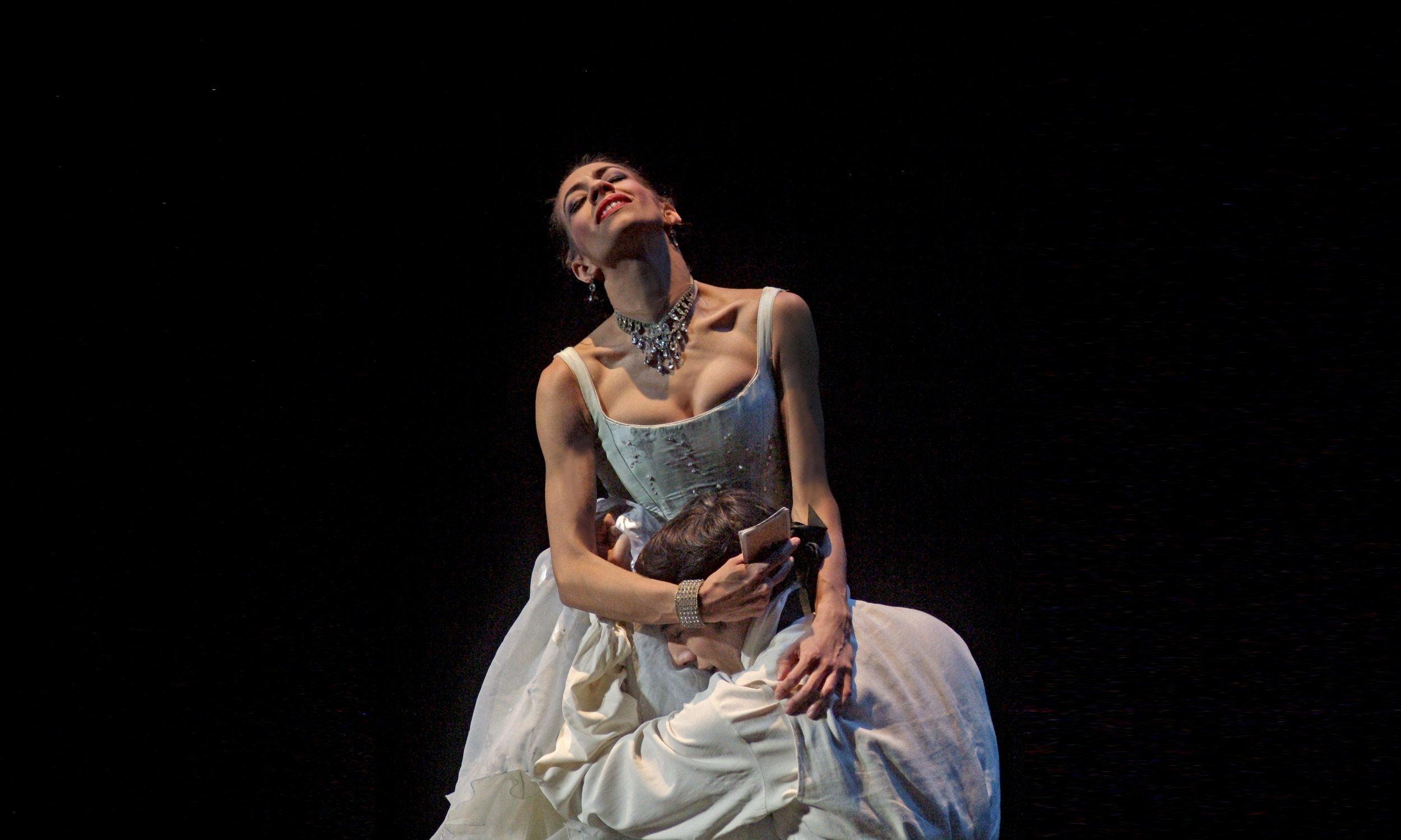 Begoña Cao and Esteban Berlanga in Kenneth MacMillan's Manon © Annabel Moeller