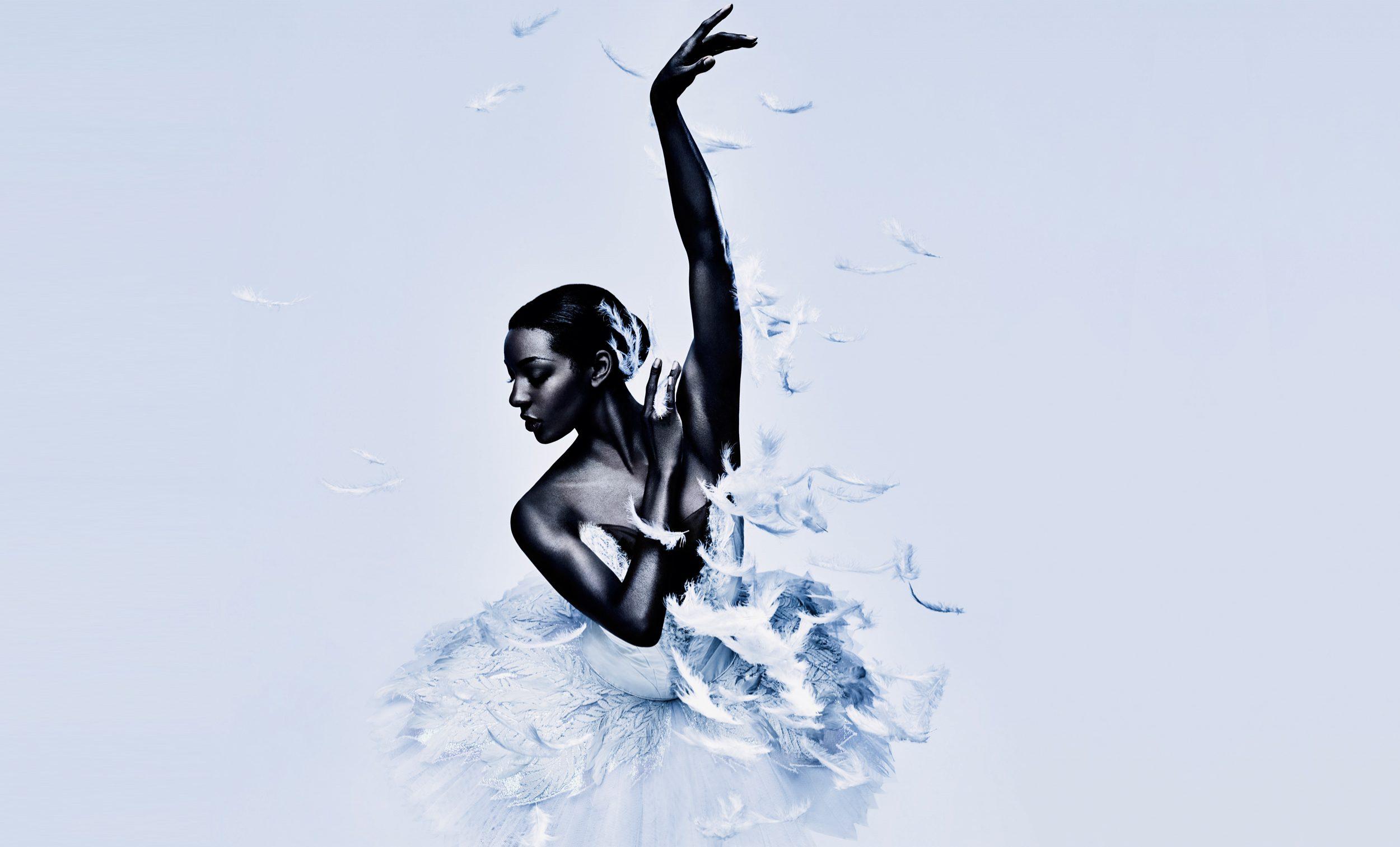 Swan Lake © Jason Bell