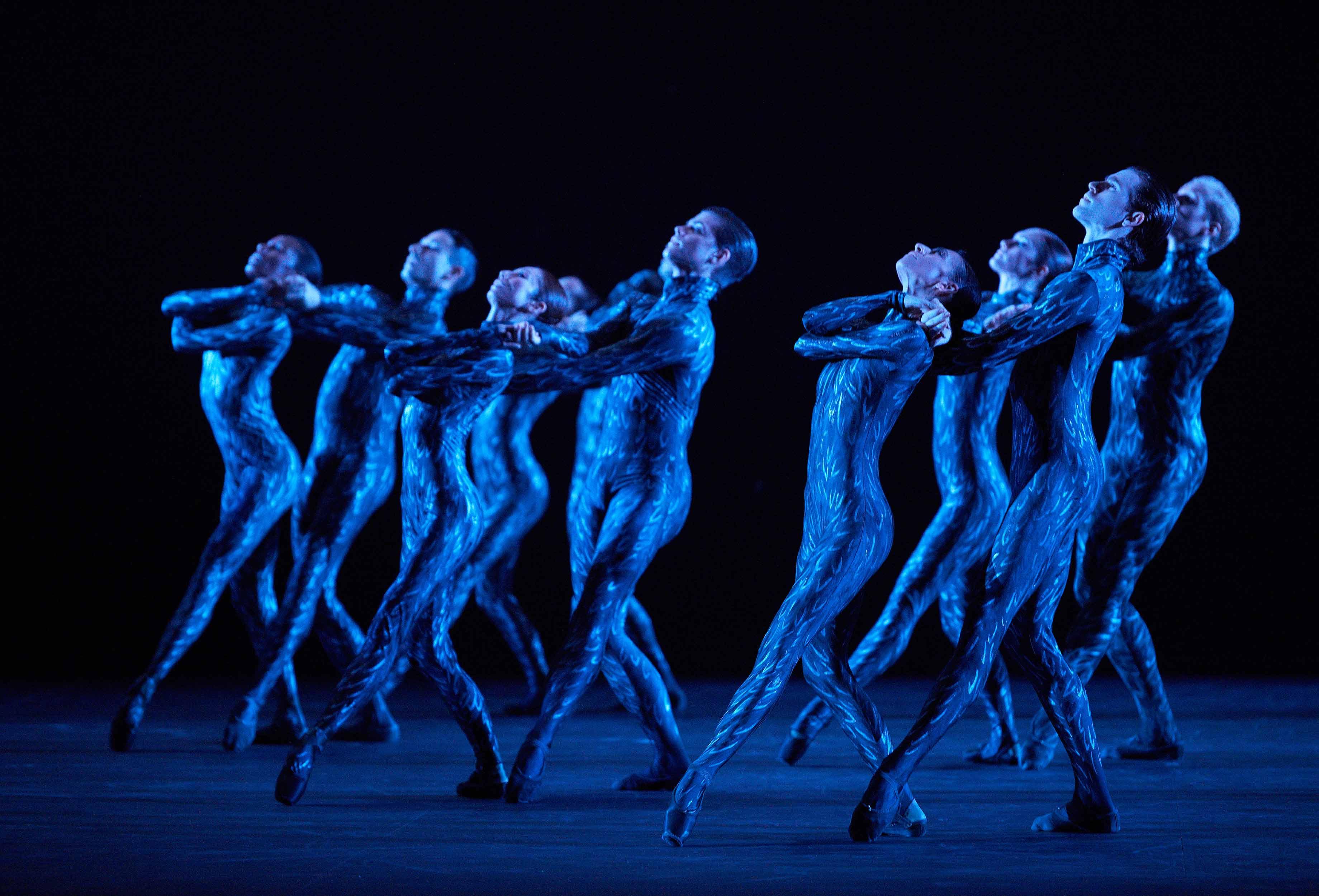English-National-Ballet-in-Fantastic-Beings-by-Aszure-Barton-©-Laurent-Liotardo-(5)