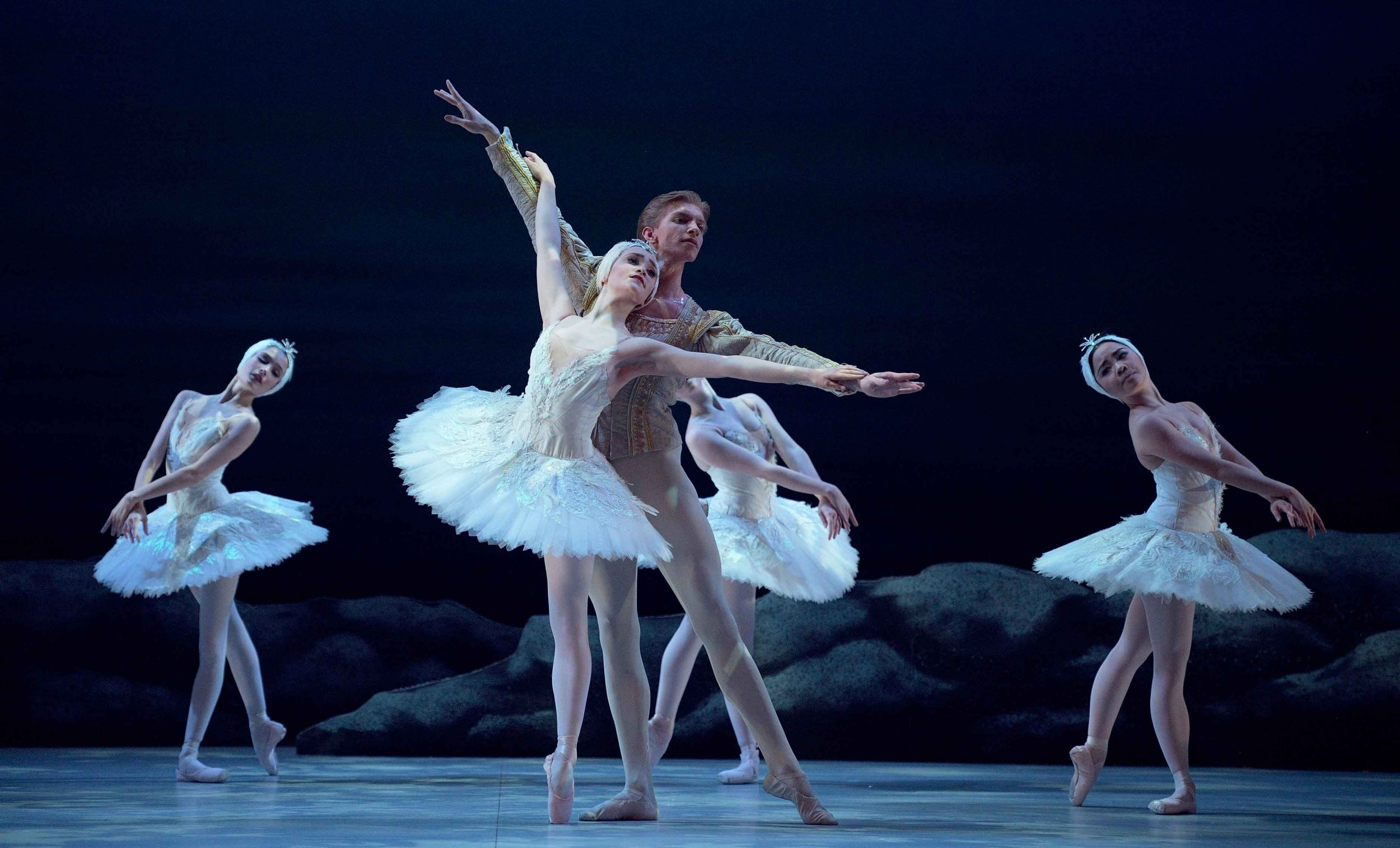 Harvey-Littlefield-as-Prince-Seigfried-Chloe-Keneally-as-Odette-My-First-Ballet-Swan-Lake-©-Laurent-Liotardo